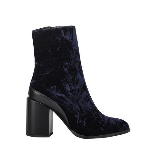 Spirit Boots in Velvet