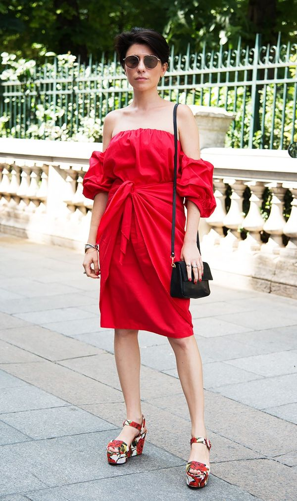 Step aboard the off-the-shoulder train with this flattering look.