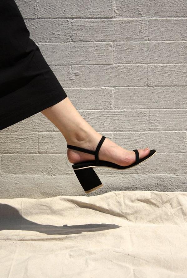 The Dangling-Shoe Instagram