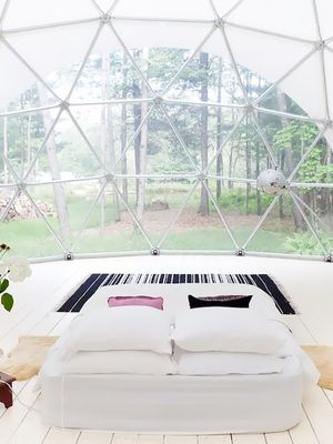 The Insanely Cool Airbnbs We Can Actually Afford for Labor Day