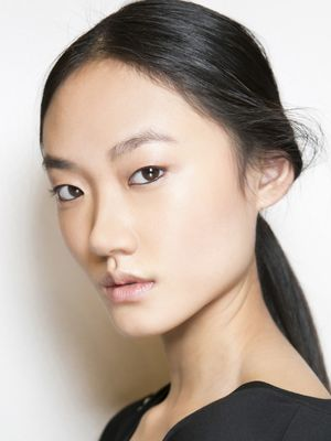 Want Airbrushed Foundation? Try This Loose Powder Trick
