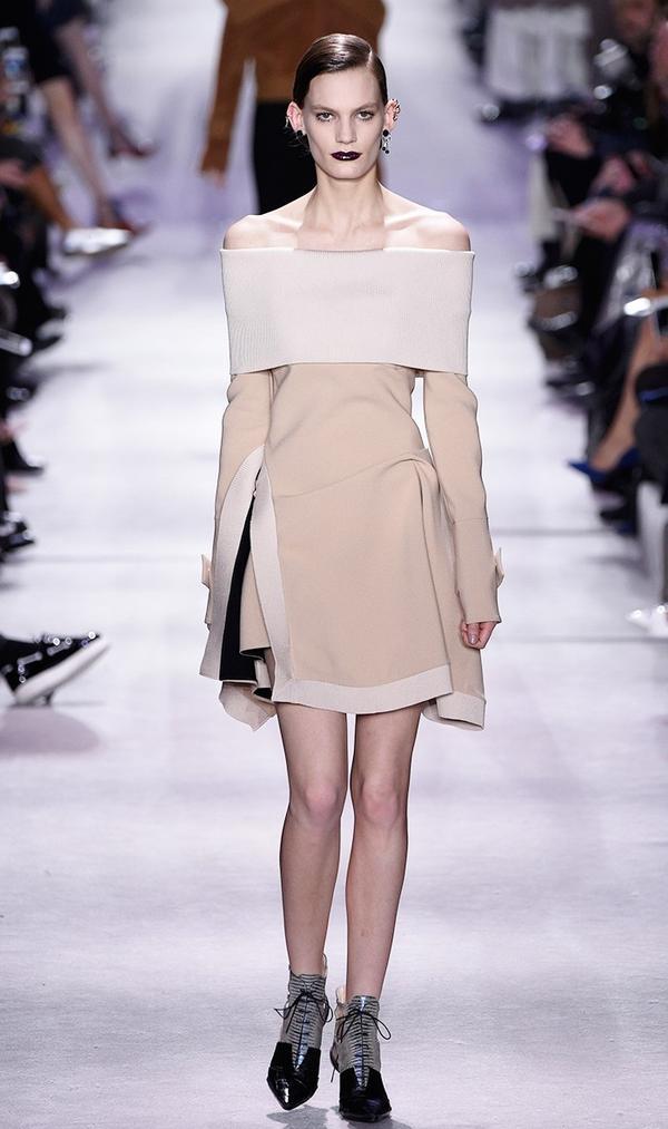 F/W 16 Look: Dior