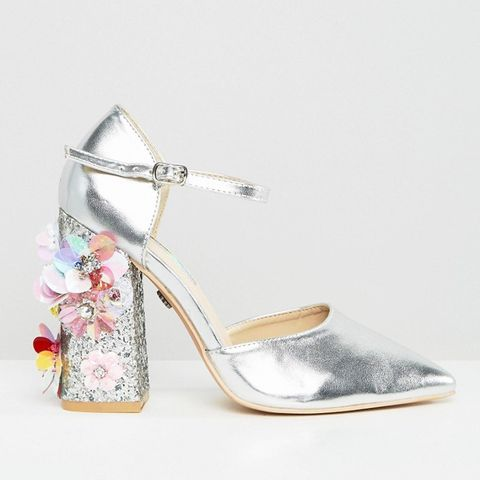 Flower Detail Point Heeled Shoes