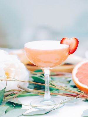 7 Delicious Egg-White Cocktails for Chic Weekend Hangs