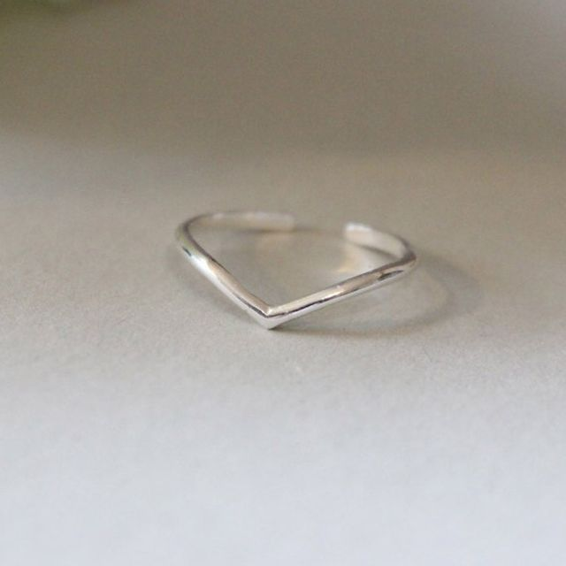 Great Jewelry 4 All Silver Chevron Toe Ring