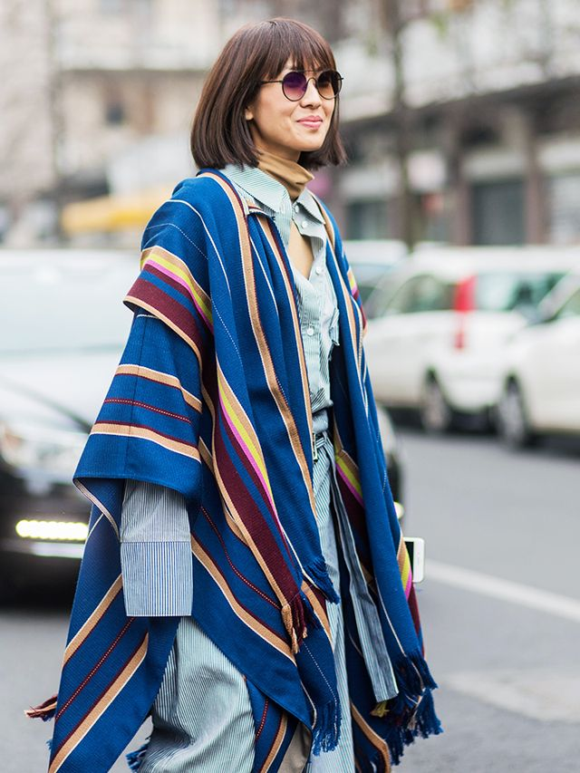 how to wear a cape: