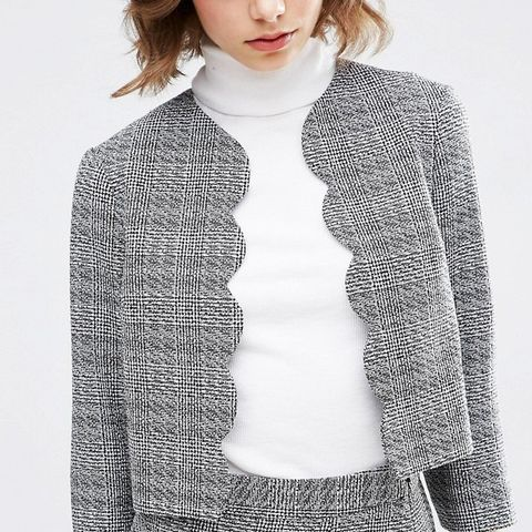 Scalloped Edge To Edge Tweedy Jacket