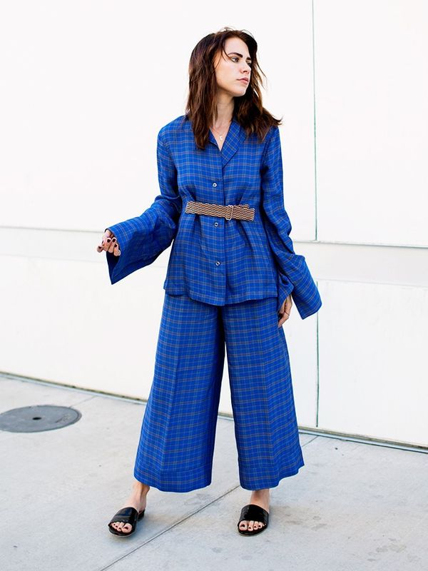 Style Notes:Courtney Trop of Always Judgingknows a comfortable-but–fashion-forward combo when she sees one. This pairing is from Misha Nonooand we greatly admire the...