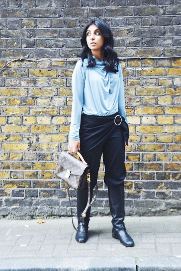 blue-blouse-black-boot-styling