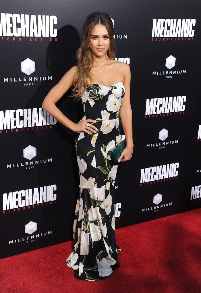 Jessica Alba Mechanic Resurrection Premiere Dolce & Gabbana Dress