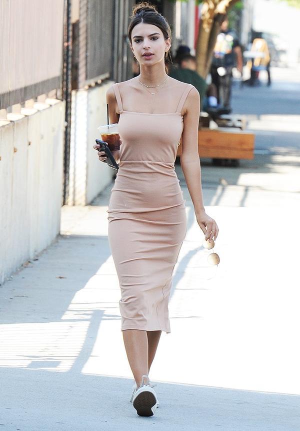 Emily Ratajkowski style
