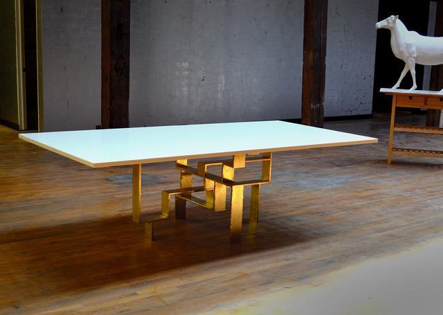 DLV Metropolis Dining Table
