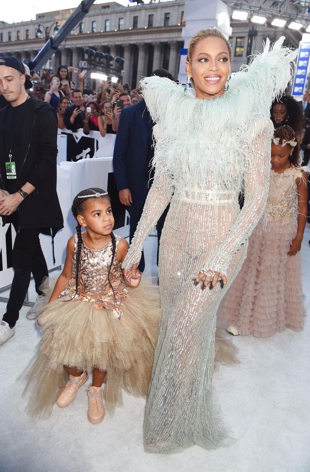 Beyoncé and Blue Ivy Carter MTV VMAs 2016