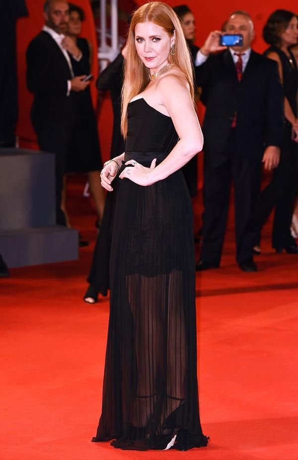 WHO: Amy Adams WEAR: Versace dress.