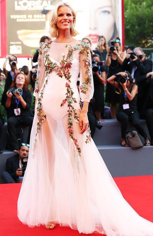 WHO: Eva Herzigova WEAR: Alberta Ferretti gown.