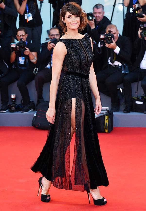 WHO: Gemma Arterton WEAR: Giorgio Armani dress; Jimmy Choo shoes.