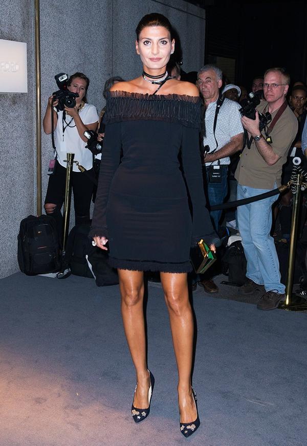 WHO:GiovannaEngelbert WHAT:Tom FordF/W 16 show WEAR: Tom Ford dress.