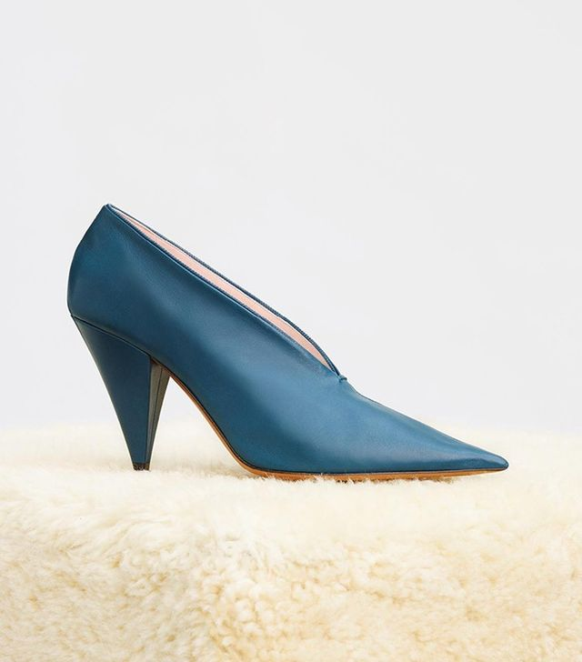 Céline Soft V-Neck Hand Stitched Pumps in Petrol Nappa