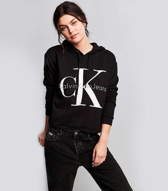 Calvin Klein For UO '90s Cropped Hoodie Sweatshirt