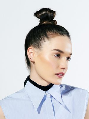 Tutorial: How to Do the Kendall Jenner Topknot in 30 Seconds