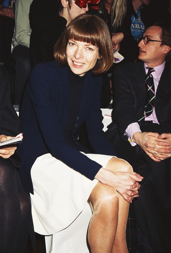 Anna Wintour front row 1990s