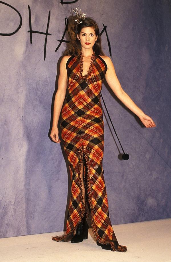 Cindy Crawford runway 1990s