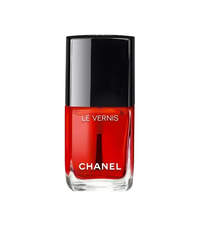 Chanel Le Vernis Nail Gloss in 530 Rouge Radical
