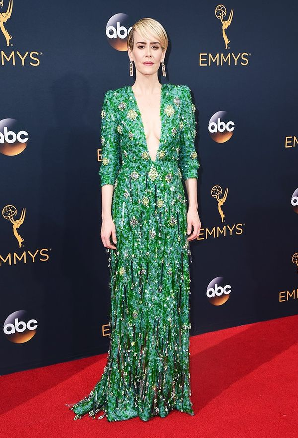 WHO: Sarah Paulson WHAT: Nominee, Lead Actress in a Limited Series, The People v. O.J. Simpson WEAR:Pradaemerald green plunging neckline gown, fully embroidered in variegated...