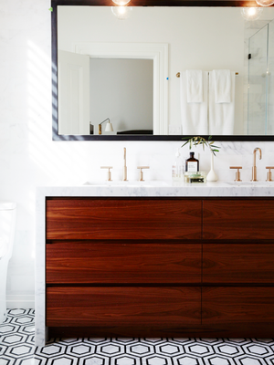 Professional Housekeepers Agree—These Are the Top 5 Cleaning Hacks