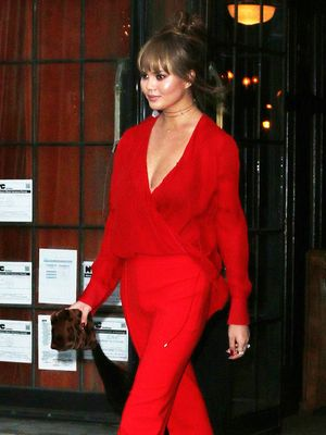 Chrissy Teigen Really Loves This Celeb's Fashion Line