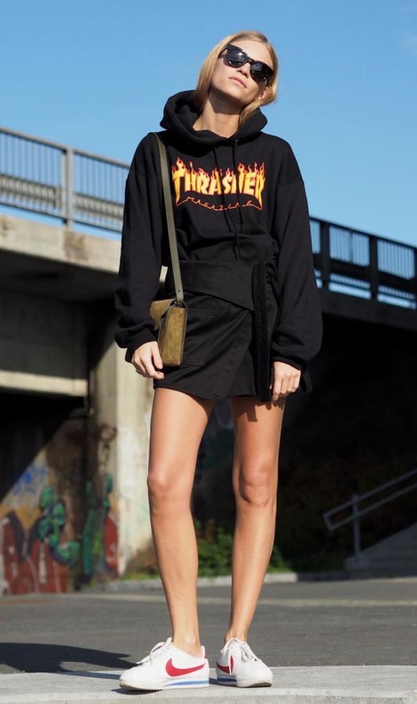 graphic hooded sweatshirt sneakers