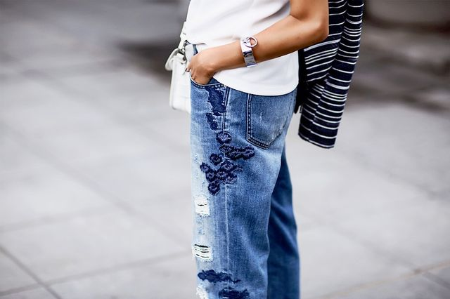 The first thing that makes these Armani Exchange jeans a statement maker is the embroidery. The blue hue complements the rest of her look and the wonderful wash of the denim.