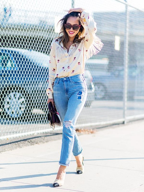 Aimee Song wearing chanel mules and skinny jeans