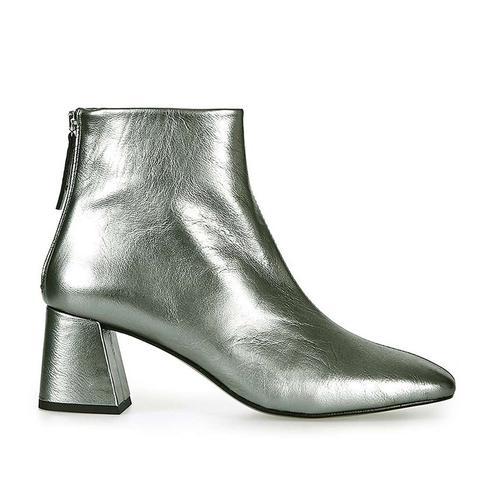 MAGGIE Flared Heel Boot