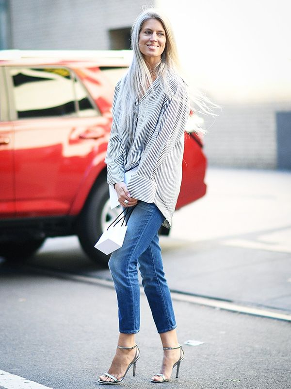 Sarah Harris street style skinny jeans and button down.