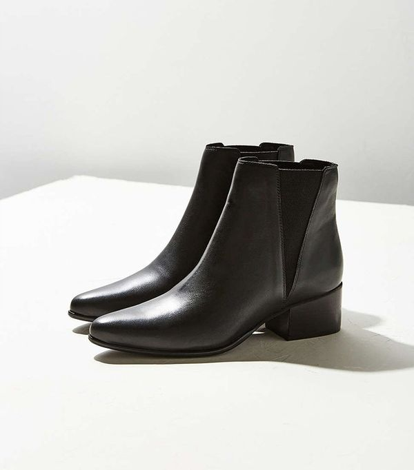 Pola Leather Chelsea Boots