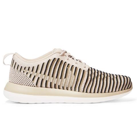 Roshe Two Flyknit Sneakers