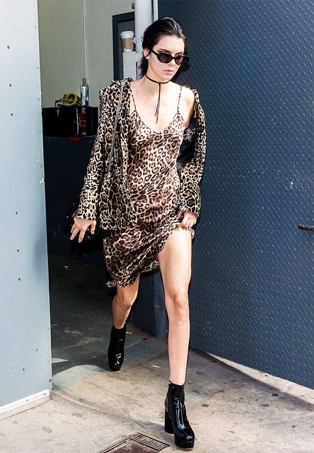As usual, animal print is on trend for fall, but leave it to Kendall Jenner to boldly mix two iterations of leopard in one go, freshening up a classic fall favorite.