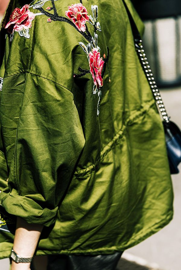 floral detail jacket street style