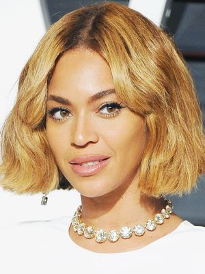 7 of the Chicest Crops That Embrace Curls