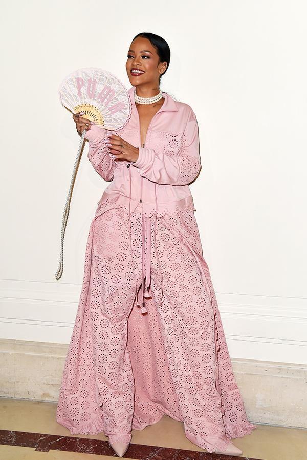 WHO: Rihanna WHAT: Fenty x Puma S/S 17 show WEAR: Fenty x Puma look.