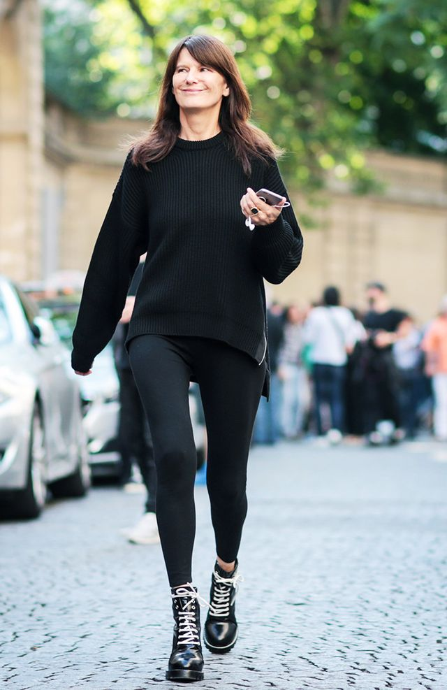 Style Notes:An oversize jumper and clumpy boots are the perfect to get an effortlessly stylish outfit.