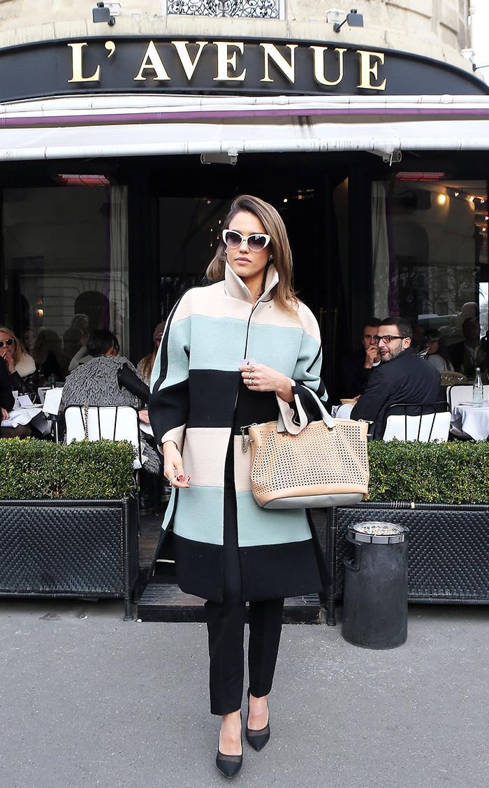 Jessica Alba at L'Avenue in Paris