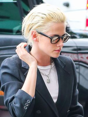 Kristen Stewart Just Wore a Blazer as a Dress