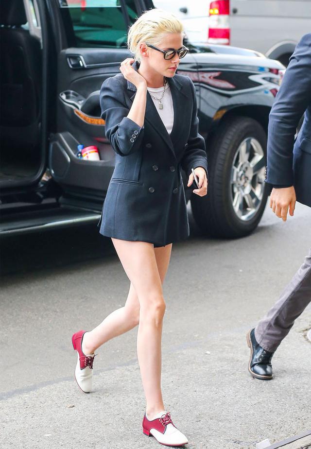 On Kristen Stewart: 3.1 Phillip Lim S/S 17 blazer; Chanel Resort 17 oxfords.