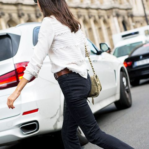 what to wear with black jeans skinny cut-off jeans and a white blouse