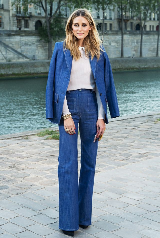 Olivia Palermo proves that the casual Canadian tux can be completely put together with a modern take on suiting by way of  high-waisted jeans and a matching Paul & Joe Eobrother denim...