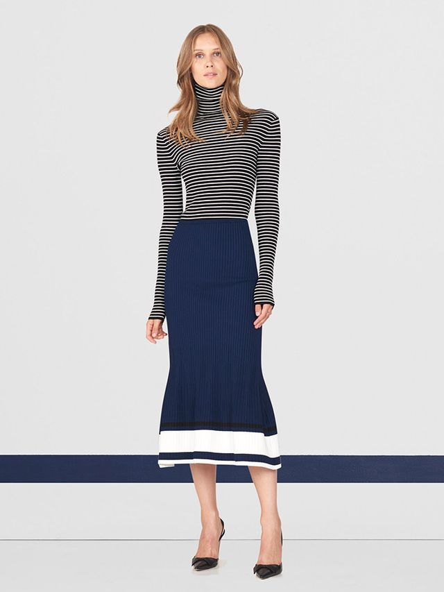 WHO WHAT WEAR: What have you learned about the La Ligne customer from the first season? MEREDITH MELLING: The La Ligne customer is definitely coming to us for our striped essentials like the Lean...