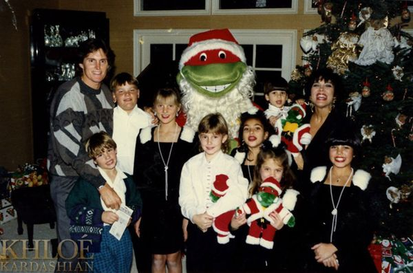 The Kardashians' Christmas Photos Over the Years | WhoWhatWear