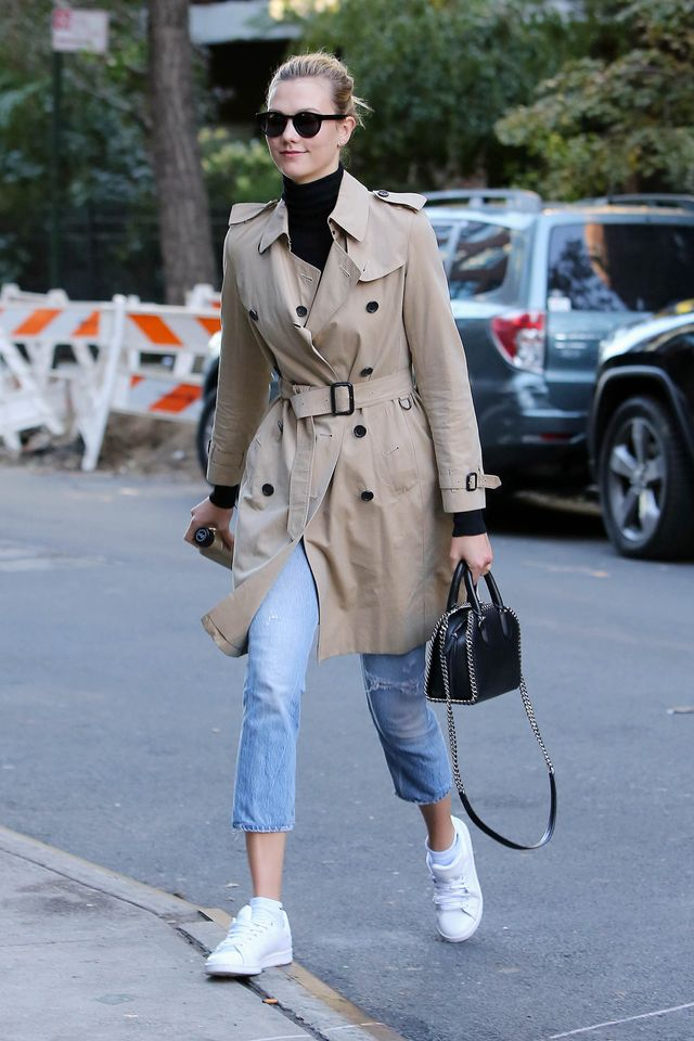 Karlie Kloss wearing burberry trench